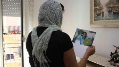 Piera zag hoe maffia haar man doodschoot, nu is de 'kandidate zonder gezicht' verkozen in Italiaans parlement