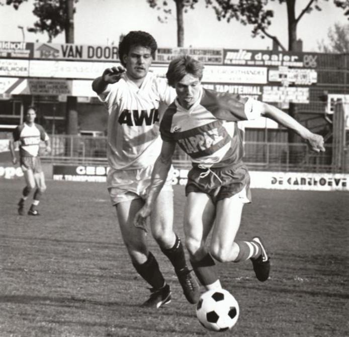 René van Tilburg tijdens het duel met Heracles in 1987. foto René Manders ;René van Tilburg foto Harry Tielman
