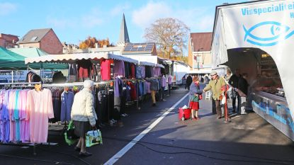 Marktkramers moeten Nederlands spreken, of ze spelen vergunning kwijt