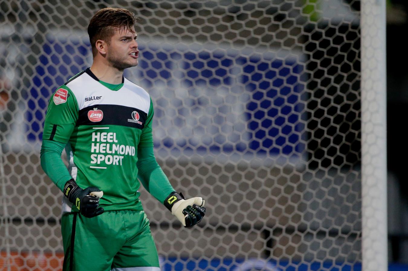 Stijn van Gassel kon in zijn honderdste wedstrijd voor Helmond Sport een aantal keren juichen. Niet alleen na reddingen van hemzelf, maar ook na drie doelpunten.