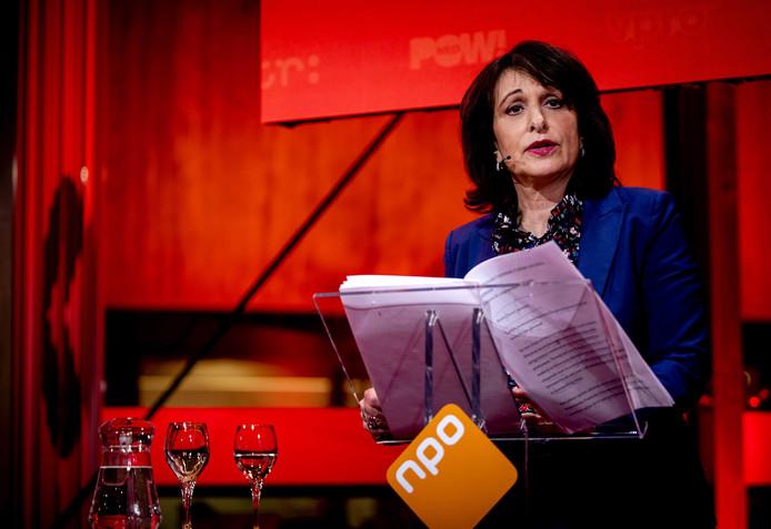 Shula Rijxman tijdens de nieuwjaarsreceptie van de Nederlandse Publieke Omroep (NPO).