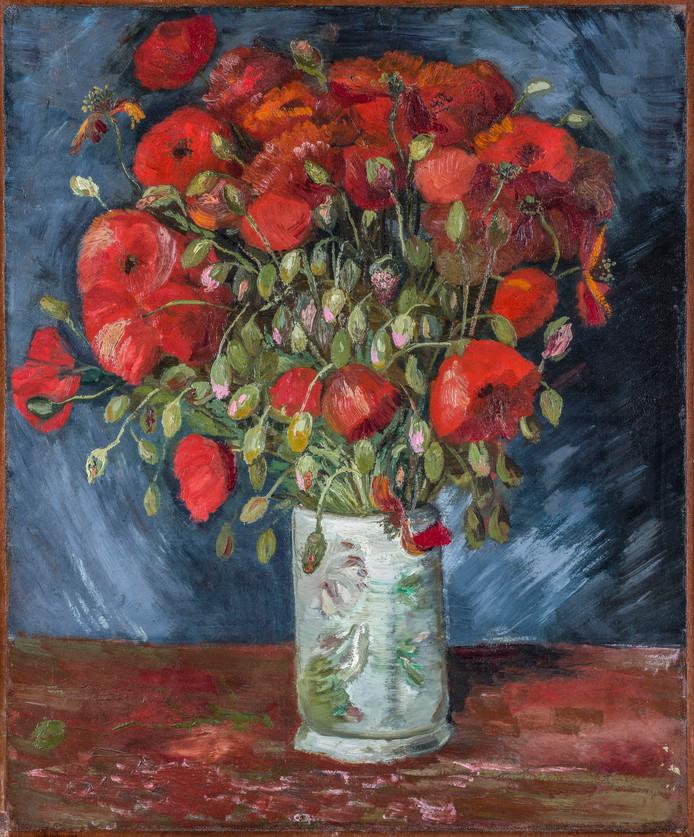 Het schilderij Vaas met klaprozen lag al sinds 1990 in depot, maar blijkt nu toch een echt Van Gogh te zijn.