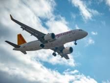Passagiers vliegtuig geëvacueerd in Düsseldorf nadat wiel vlam vat