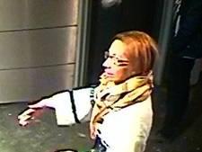 Politie zoekt tips over spaargeld-stelende vrouw