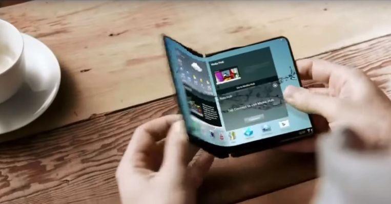 Een concept van Samsungs vouwtelefoon uit 2014. Beeld Samsung