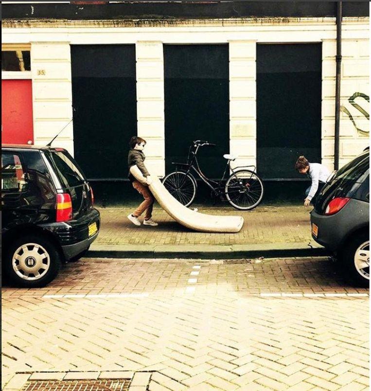 'Ik verzin geen dingen die er niet zijn, maar door de foto's te bewerken, kun je bepaalde accenten naar voren halen' Beeld Mattresses of Amsterdam
