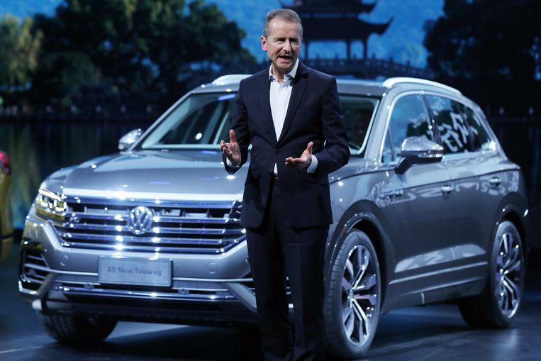Herbert Diess introduceert de nieuwe Touareg, een SUV van Volkswagen, in maart 2018. Beeld EPA