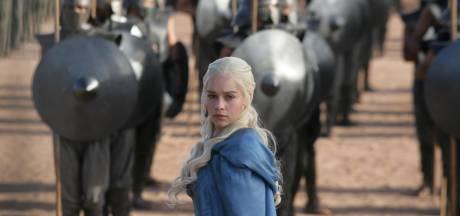 """Emilia Clarke avoue avoir """"lutté"""" contre les producteurs de """"Game of Thrones"""""""