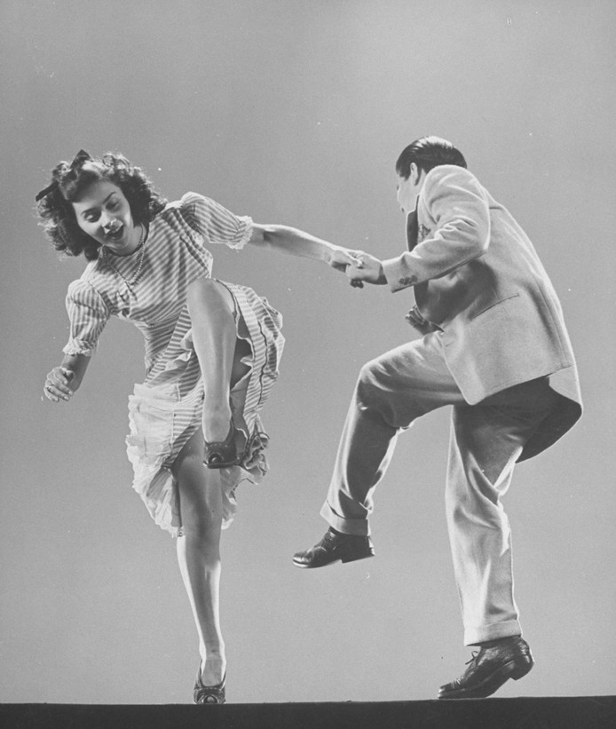 Archieffoto: Kaye Popp en Stanley Catron demonstreren de Lindy Hop.