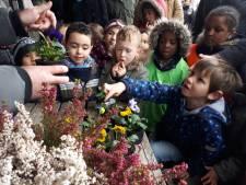 Kinderen openen ontmoetingstuin in Zwijndrecht
