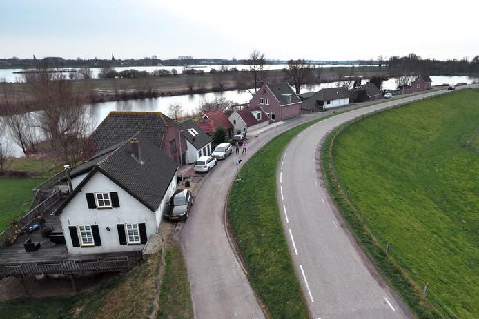 Dijk tussen Waardenburg en Gorinchem.