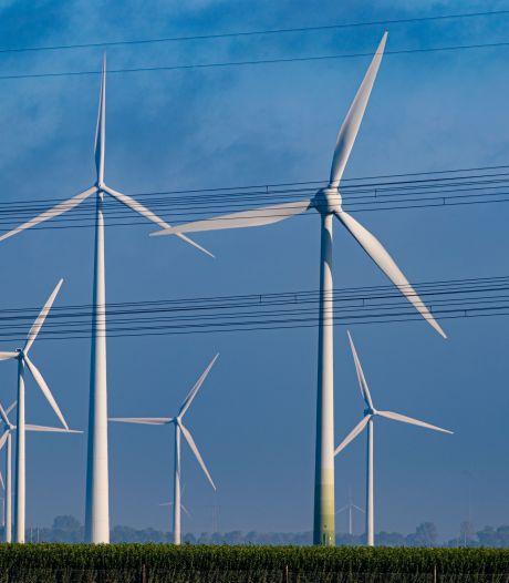 Akkerbouwer Swifterbant verplicht te tekenen voor windturbines
