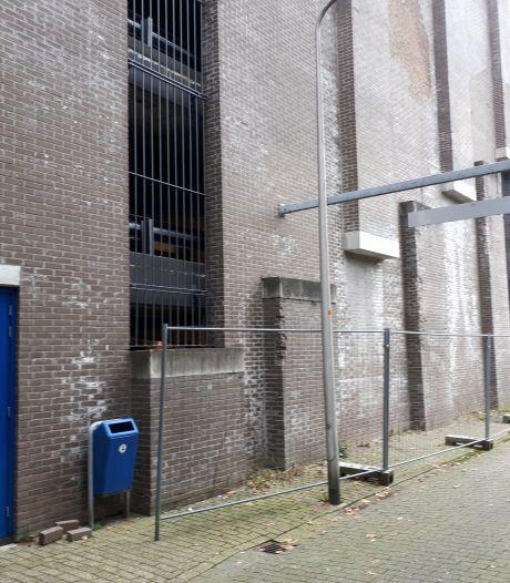 Wordt de lelijkste parkeergarage van Nederland dan eindelijk uit zijn lijden verlost?