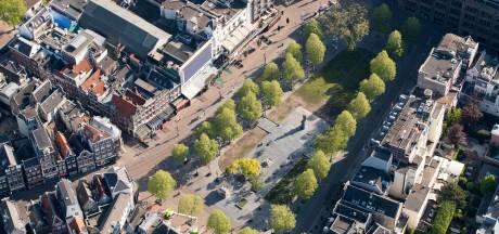 Streep door fietskelder onder Rembrandtplein