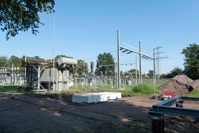 Werkzaamheden aan de Westdorplaan in Raalte.