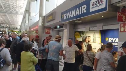 """Brigitte en haar vriend zitten vast op Tenerife: """"De eerste beschikbare vlucht vertrekt pas in mei"""""""