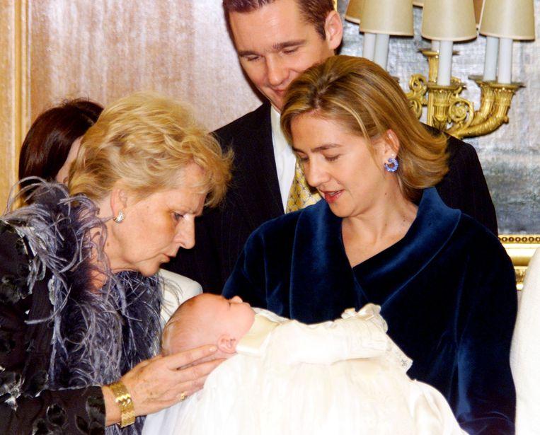 Cristina en haar schoonmoeder hebben een hechte band, zoals deze oude foto aantoont.