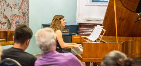 Eeuwenoude piano's die in Zutphen stonden, blijven in de omgeving te zien en horen