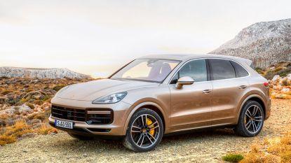 Vriendendienst eindigt als vluchtmisdrijf: man laat Porsche Cayenne achter na botsing