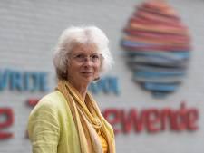 Juf Angela uit Zutphen gaat euritmieën met de Masai