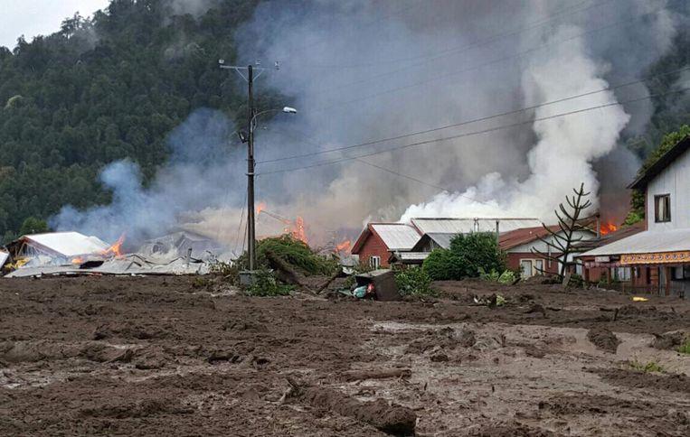 Op verschillende plaatsen brak brand uit.