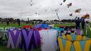 Vliegeraars laten tijdens de Rijsbergse vliegerdagen hun vliegersn op