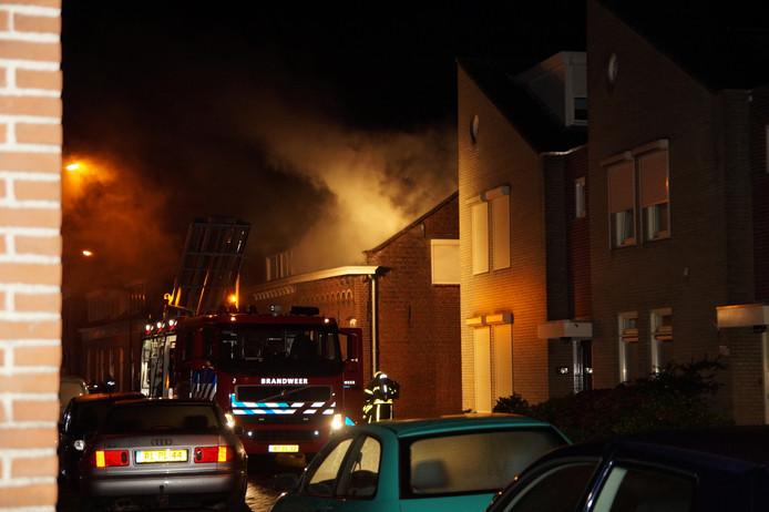 Grote woningbrand in Waalwijk