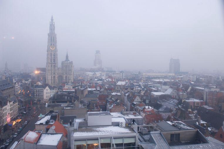 Wintersmog is één van de grootste problemen. Maar de luchtkwaliteit gaat er intussen wel op vooruit in Antwerpen.