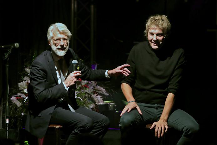 Matthijs van Nieuwkerk presenteert de benefietavond in Ruurlo.