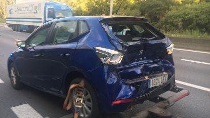 Stilstaande Spaanse automobilist op E17 aangereden in Kortrijk