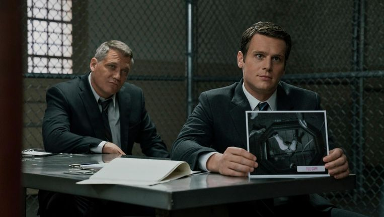 Holt McCallany en Jonathan Groff in Mindhunter. Beeld null