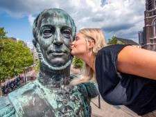 The Royal Kiss: Willem II snakt dagenlang naar zoenen