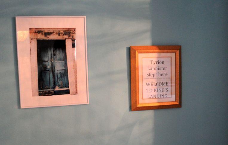 Het hostel waar Tyrion Lannister dronken in slaap viel. Beeld Haroon Ali