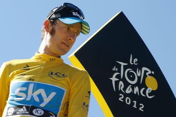 Bradley Wiggins op het podium in Parijs nadat hij de Tour de France in 2012 won.