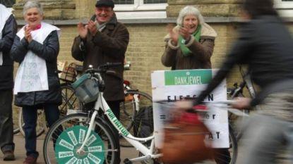 Groen geeft applaus aan passerende fietsers