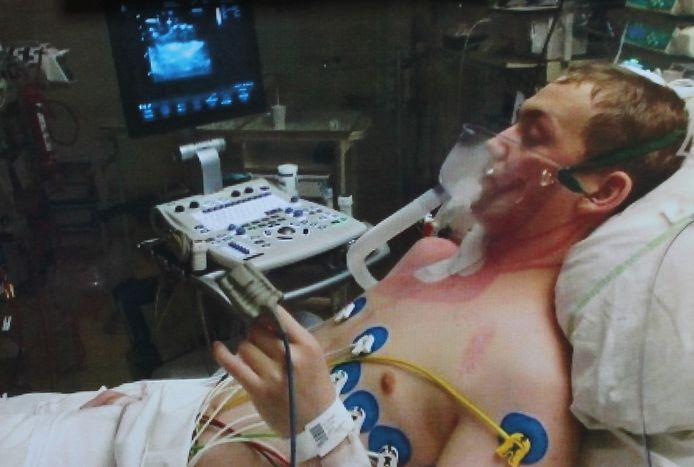 Jonas Huyghe onderging gisteren een nieuwe harttransplantatie nadat zijn lichaam een maand geleden het vorige donorhart afstootte.