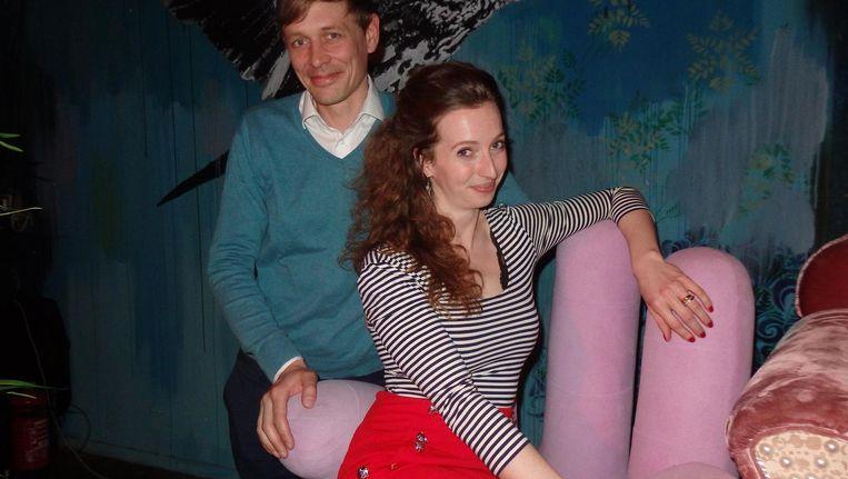 Huisdichter Justin Sangar en presentator Micha Windgassen. 'Seks is doodnormaal' Beeld Schuim