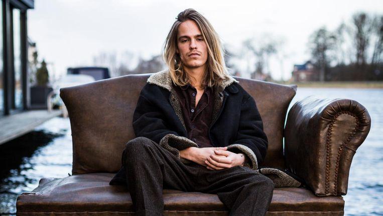 Sebastiaan van Ravenhorst over zijn artiestennaam Van Common: 'Klinkt lekker neutraal. Ik kan er alles mee doen wat ik wil.' Beeld Tammy van Nerum