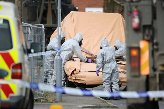 De Engelse autoriteiten doen nog steeds onderzoek na de gifaanval op de Russische ex-spion Sergei Skripal en zijn dochter.