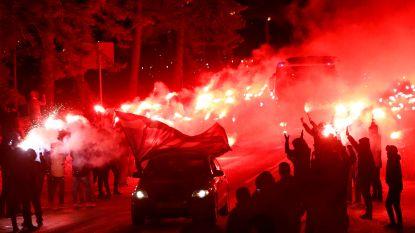 VIDEO. Indrukwekkend: fans begeleiden spelersbus van Zenit met spectaculaire vuurshow