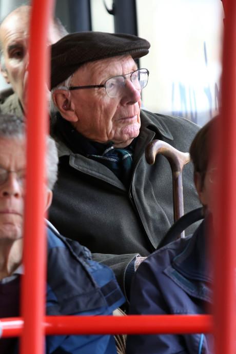 Ouderen krijgen cursus openbaar vervoer in Breda: 'Gewoon een kaartje kopen is er al lang niet meer bij'