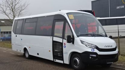 Gemeente koopt milieuvriendelijke schoolbus