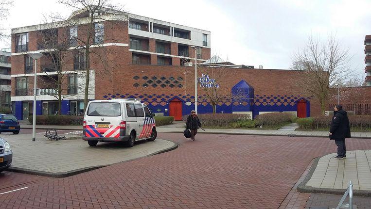 De Blauwe Moskee wordt door politie beveiligd Beeld Marc Kruyswijk