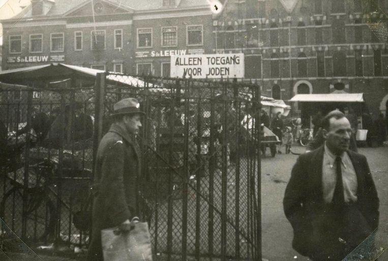 De Joodse markt op het Waterlooplein Beeld Lotty's bankje