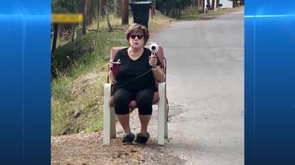 Oma schrikt snelheidsduivels af met haardroger als snelheidsmeter