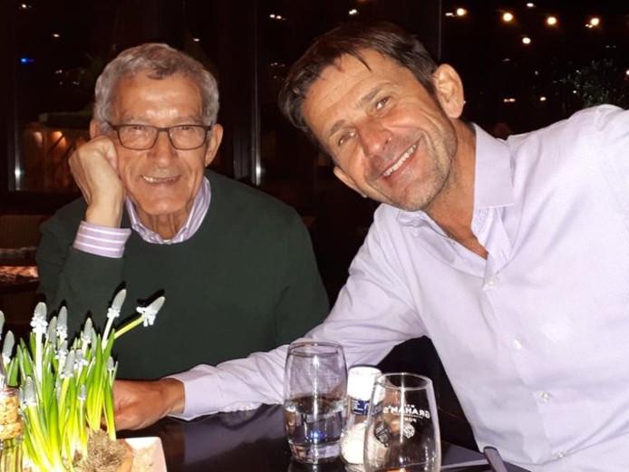 Cornald Maas met zijn vader