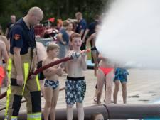 Zwembad in Wijhe nu al naar grote hoogte