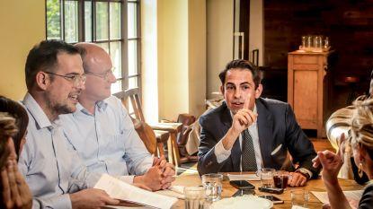 """Tom Van Grieken in debat met ons lezerspanel: """"Het wordt beter dan Zwarte Zondag"""""""