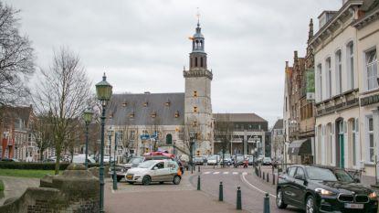 """Grimmige sfeer in Hulst tegen Belgen: """"Wat komen jullie hier doen? Keer terug!"""""""