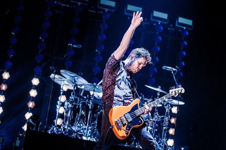 Basgitarist en zanger Mike Kerr. Beeld Ben Houdijk
